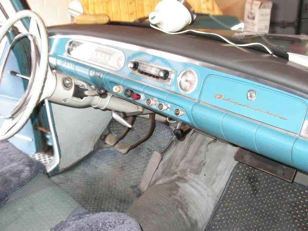 Opel Rekord P2 sedan dashboard