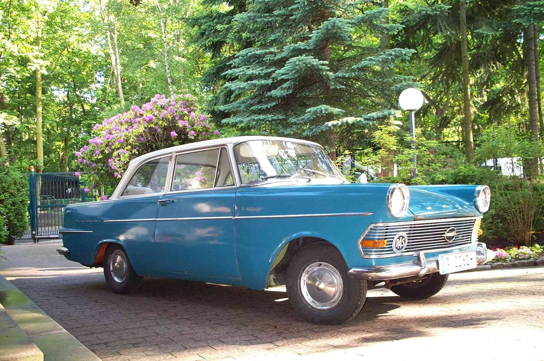 Opel Rekord P2 sedan right front